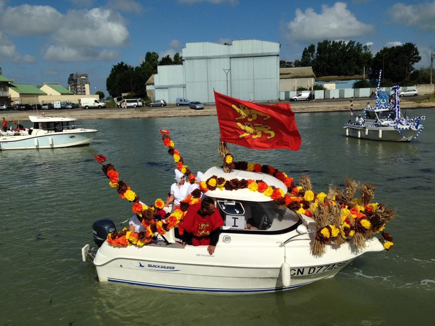 courseulles sur mer festival of the sea boat with decorations