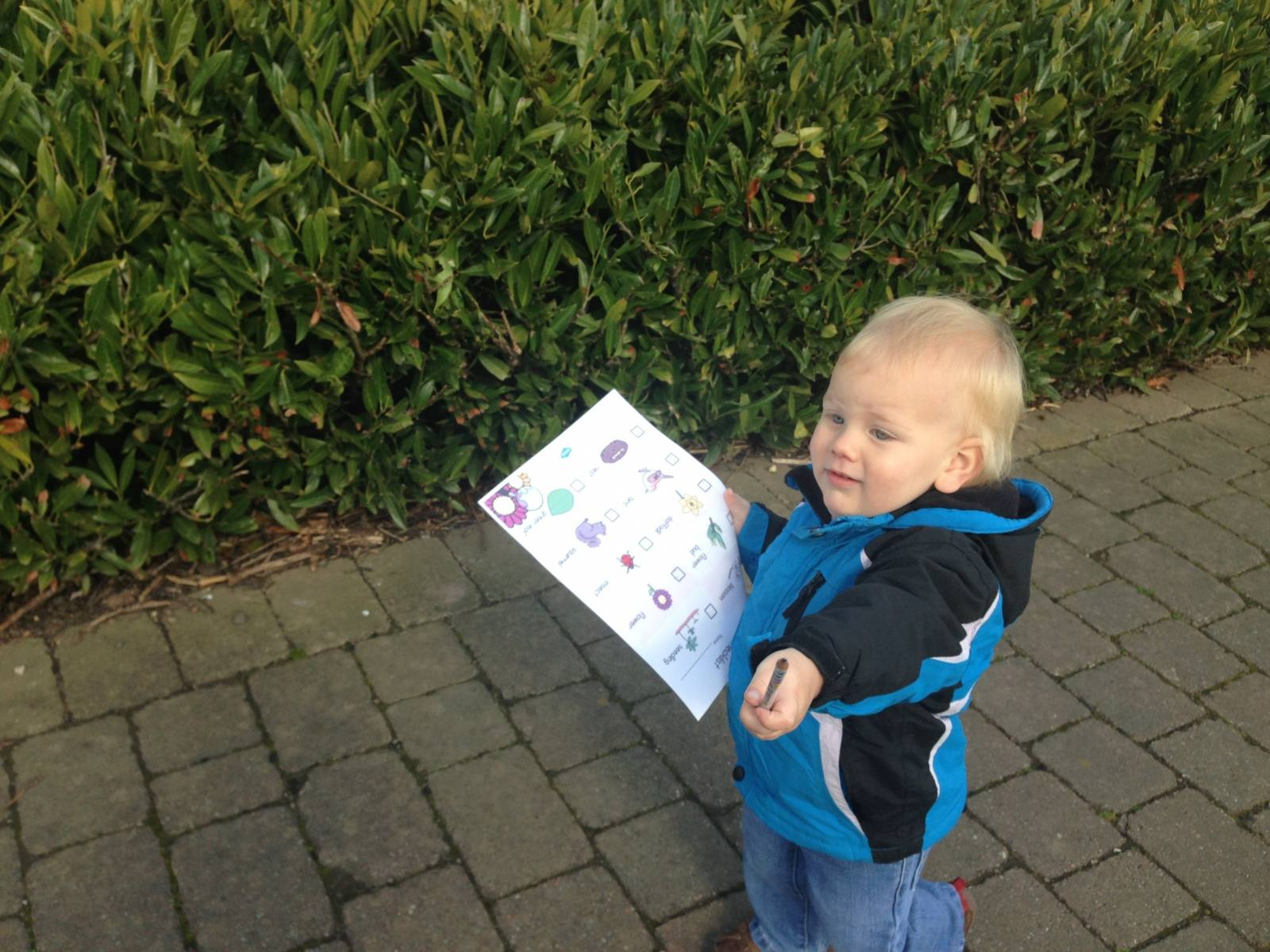 take a nature trail checklist with you on a walk with your toddler for a free day out with a theme