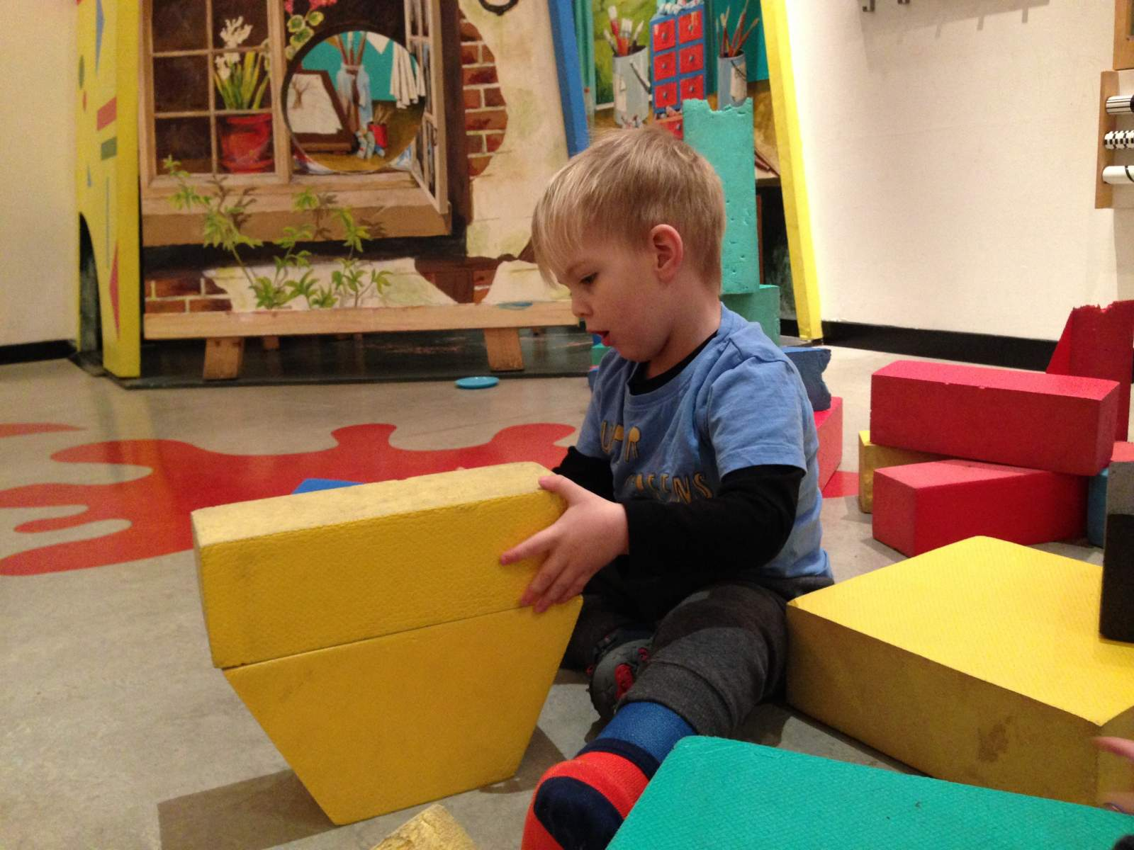 fun for preschoolers and toddlers at the under5s area in the Laing Art Galolery in Newcastle upon Tyne