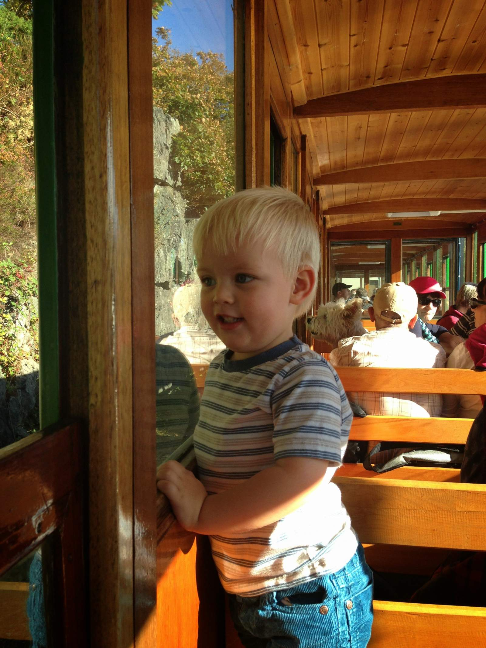 a fabulous day out with a toddler at the national slate museum and on the llanberis lake train in snowdonia in north wales