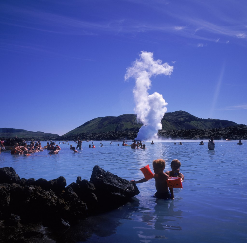 geothermic pools in iceland ideal for children