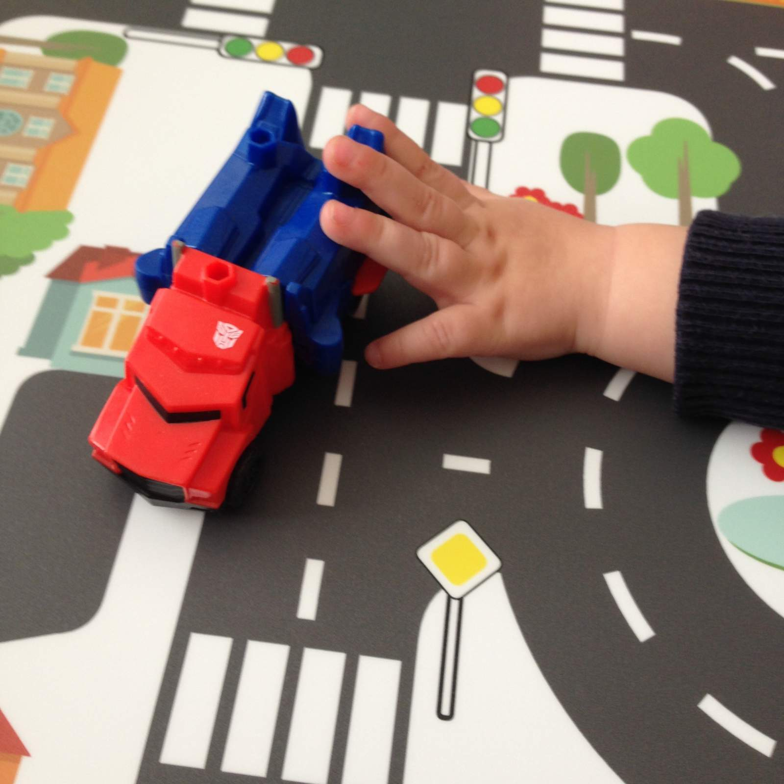 driving cars on the limmaland lack side table sticker toy town