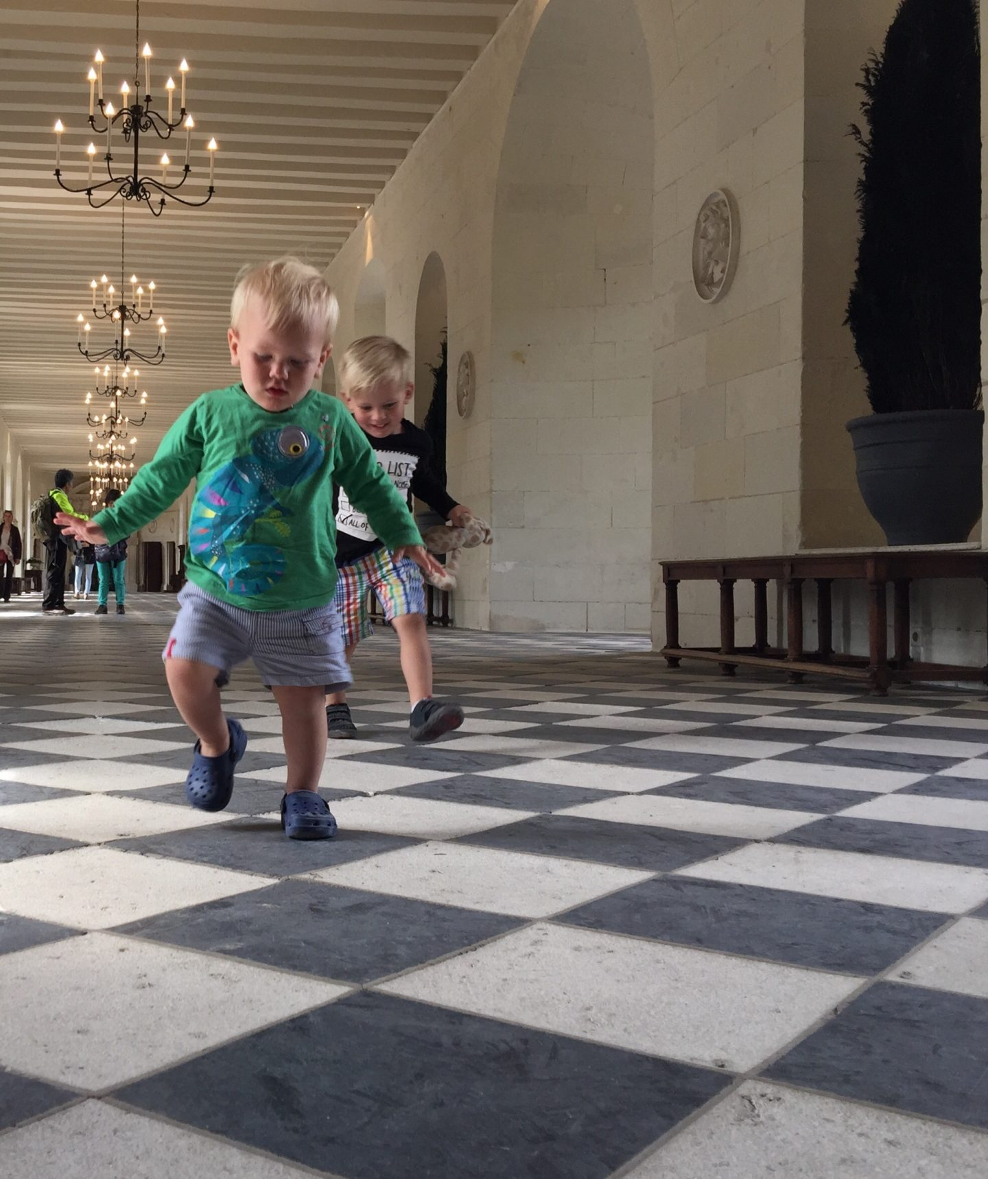days out with a toddler at chenonceau chateau in the loire valley