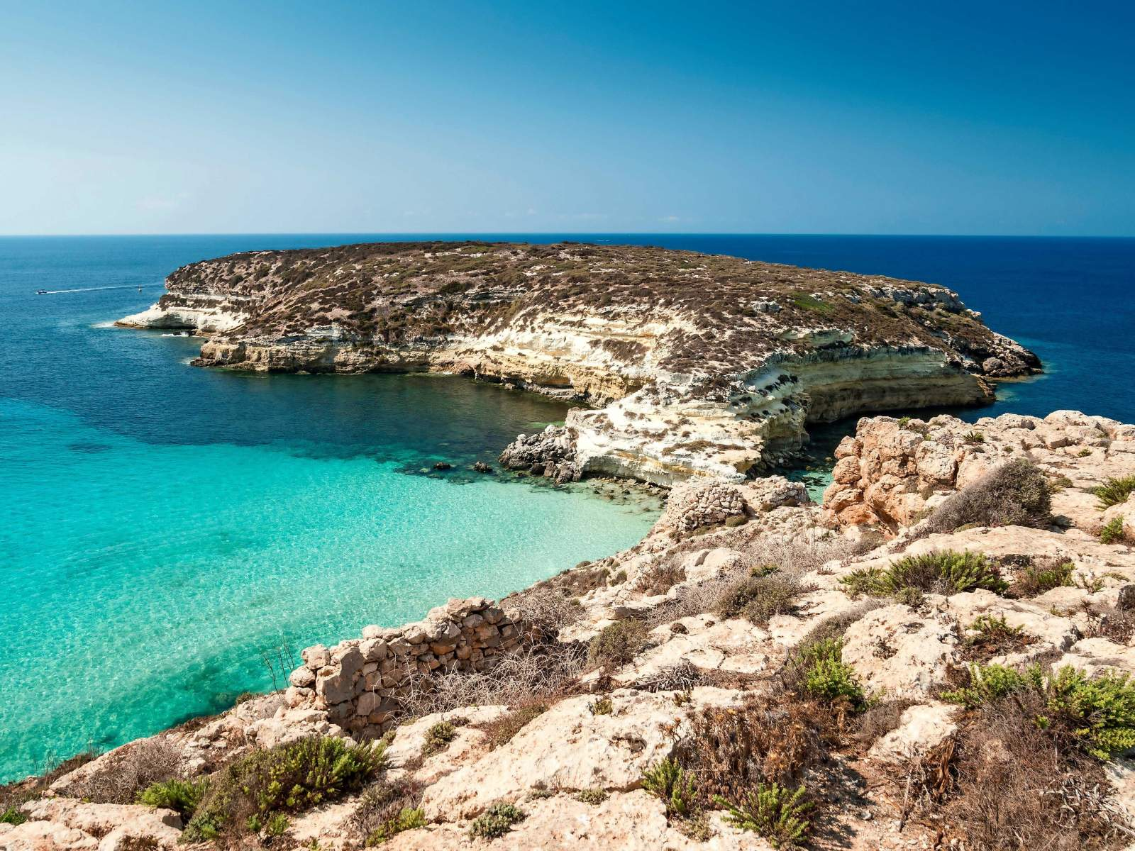 fantastic beaches to explore on the island of sicily