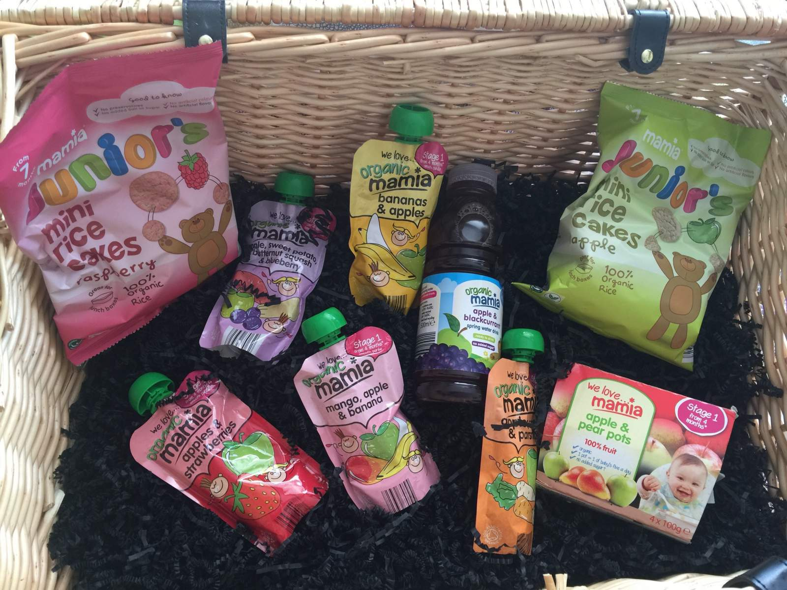 picnic hamper of Aldi Mamia products