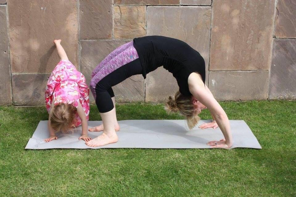 caireen hart bring a toddler to yoga classes in newcastle upon tyne