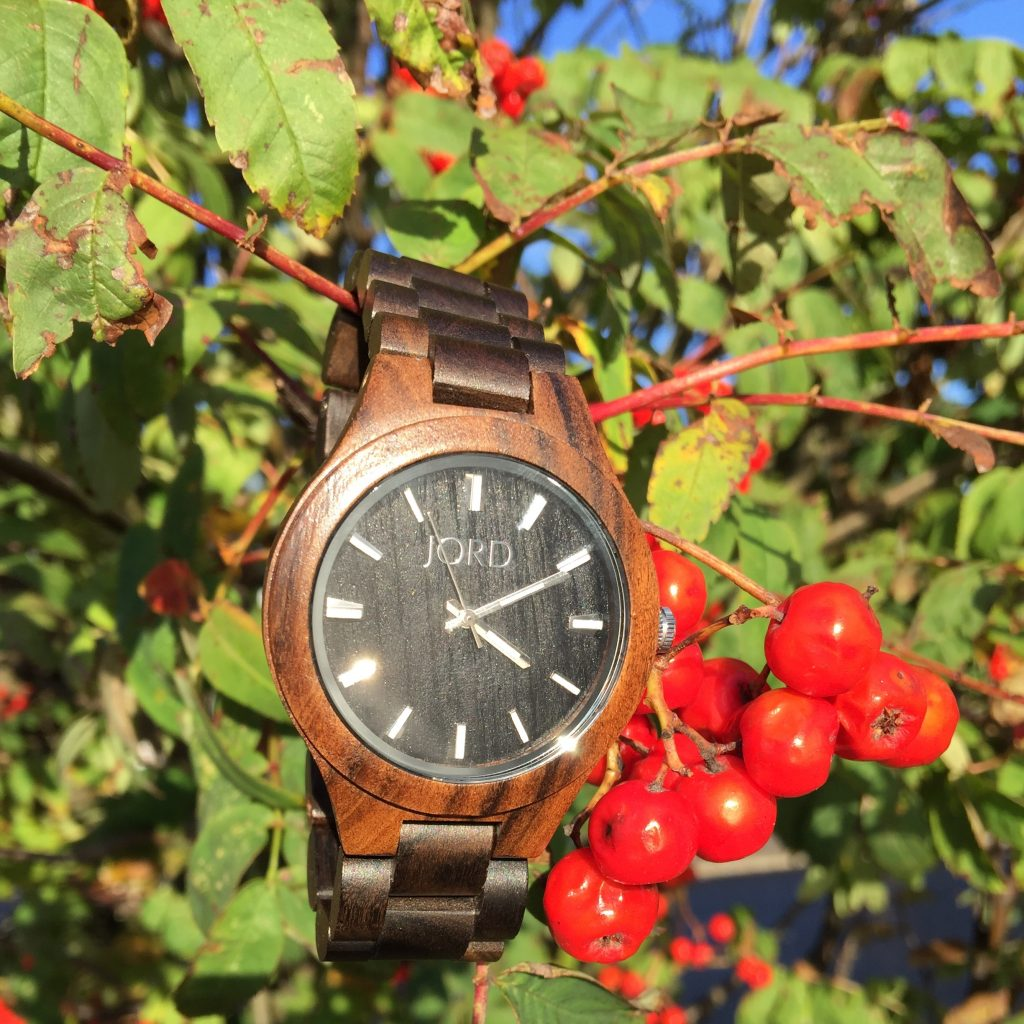 JORD wood watch berries autumn