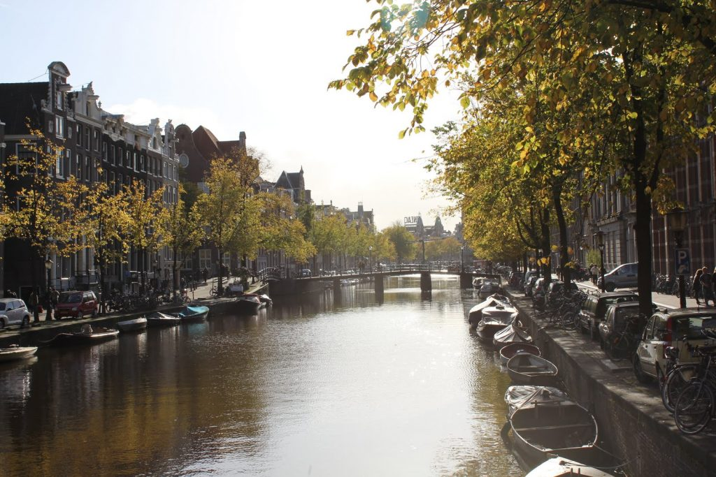 mini breaks can be difficult to organise, though they can satisfy your wanderlust, so here are just a few pointers on how to plan the perfect mini escape such as to see the canals in Amsterdam