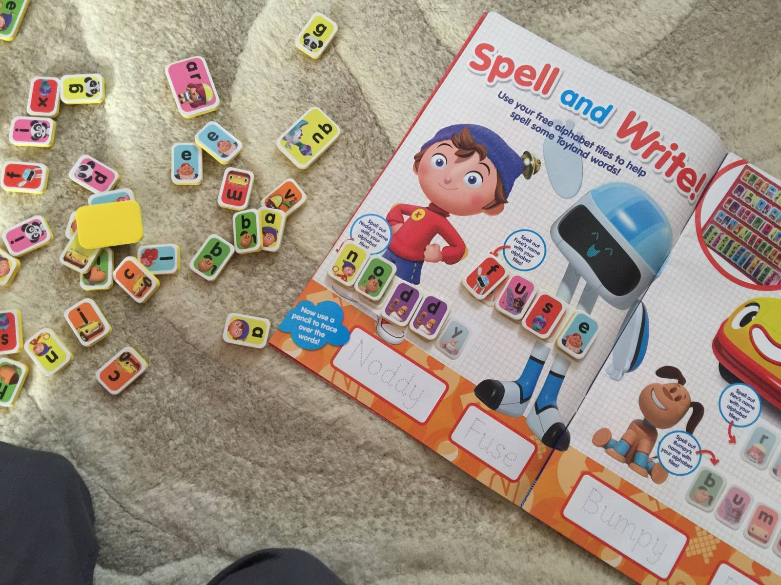 noddy magazine review - free gift of alphabet tiles