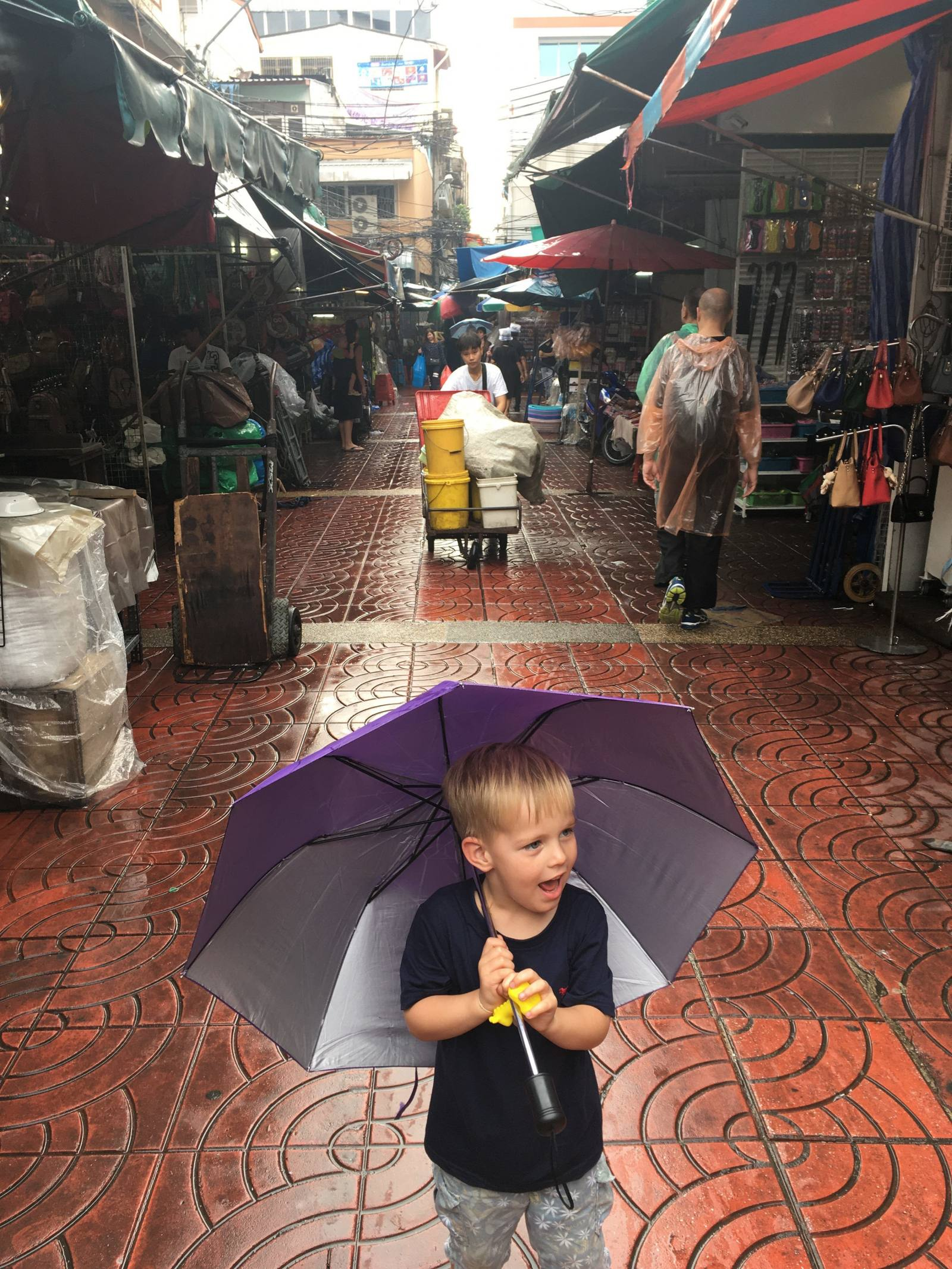 walking around bangkok with a four year old