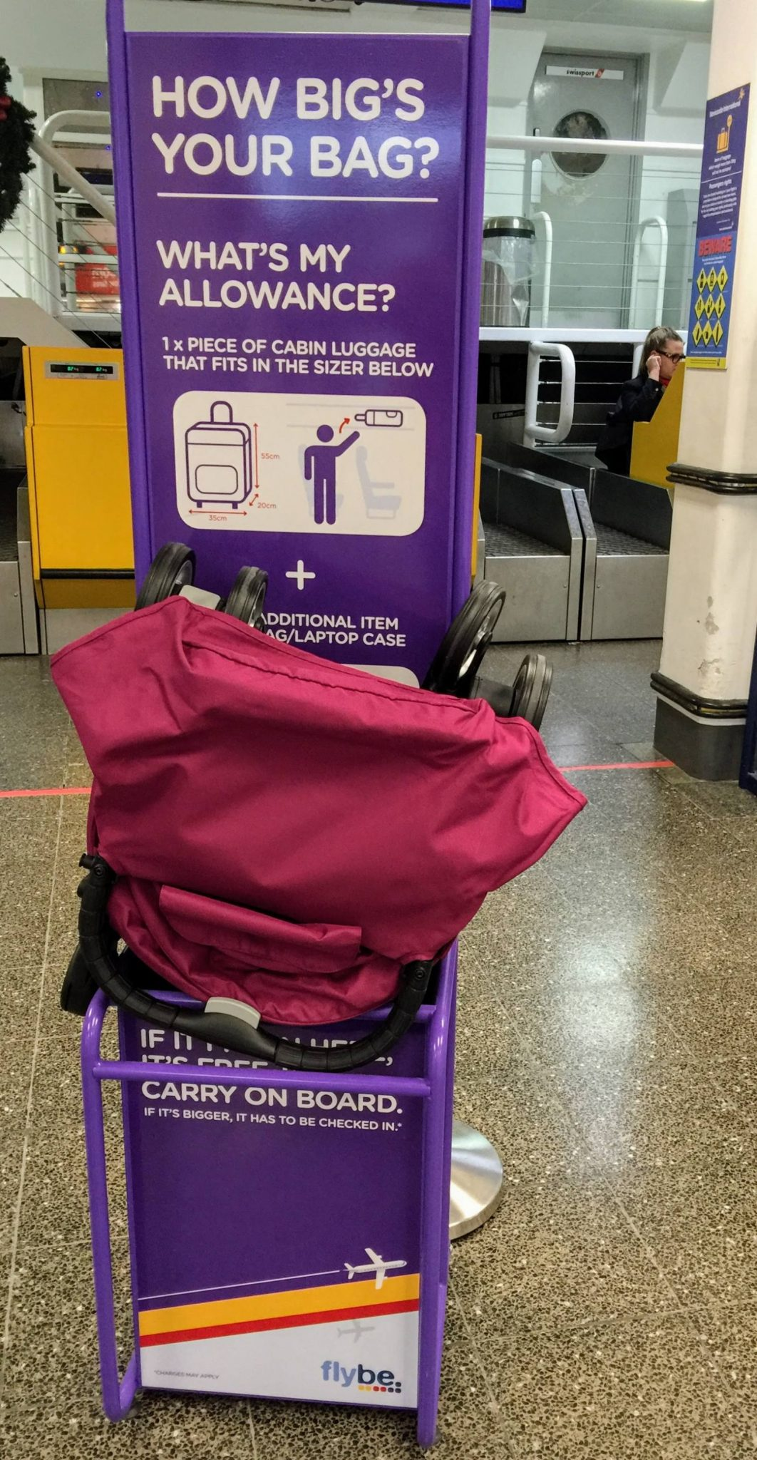 Baby jogger city tour can i take it on the plane for Cabin bag weight limit emirates