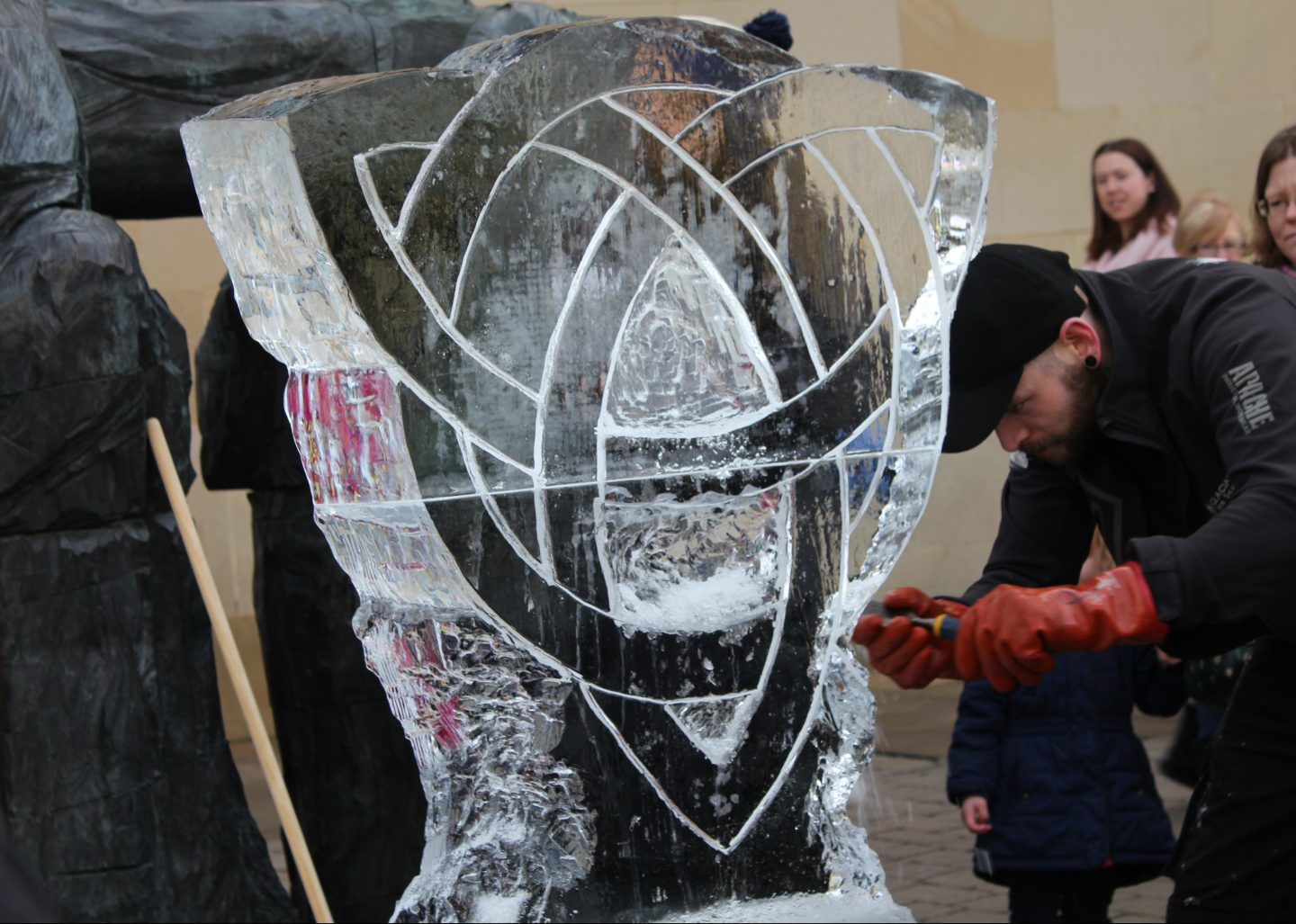 sculpture demonstration durham fire and ice 2017