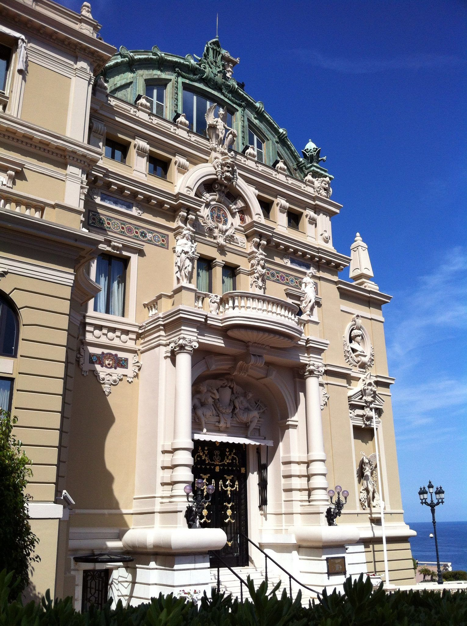 monaco casino is worth a little visit on a day trip from nice