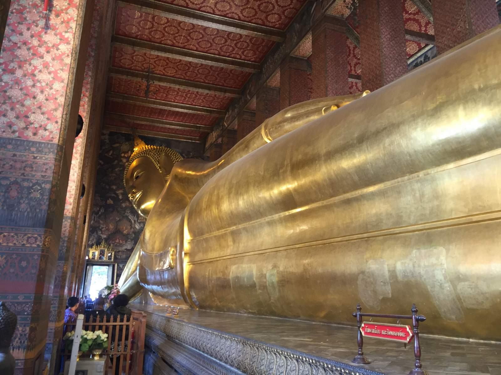 wat pho temple of reclining buddha thailand