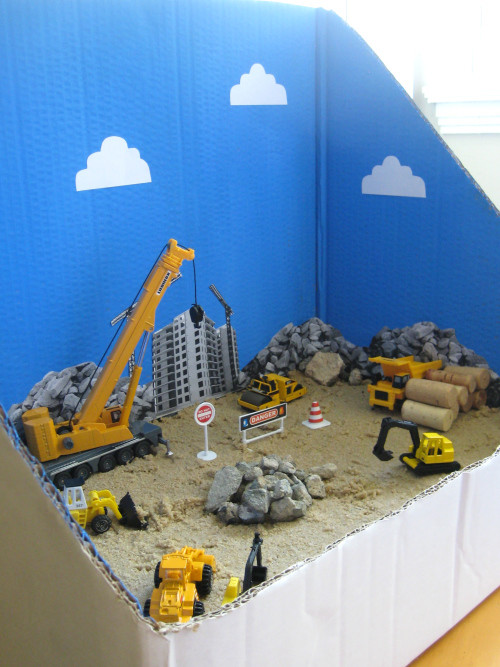 construction site play scene roarsweetly
