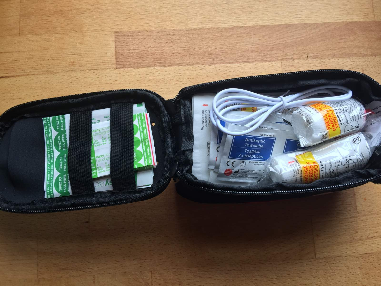 sj works first aid kit for cyclists contents