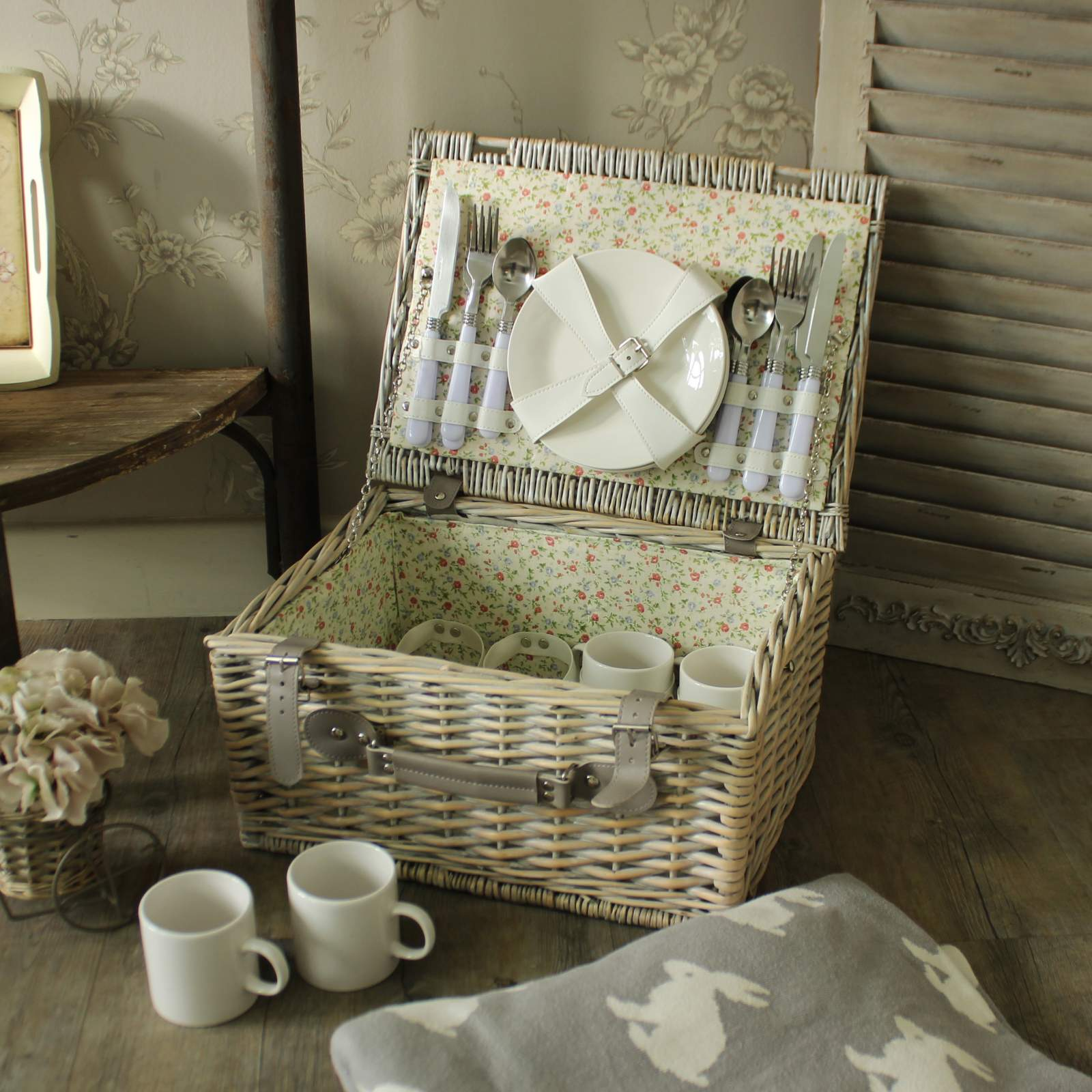 Wicker Picnic Basket Hamper