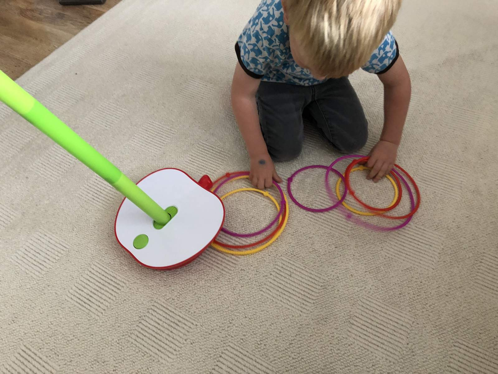 wobbly worm game for preschoolers