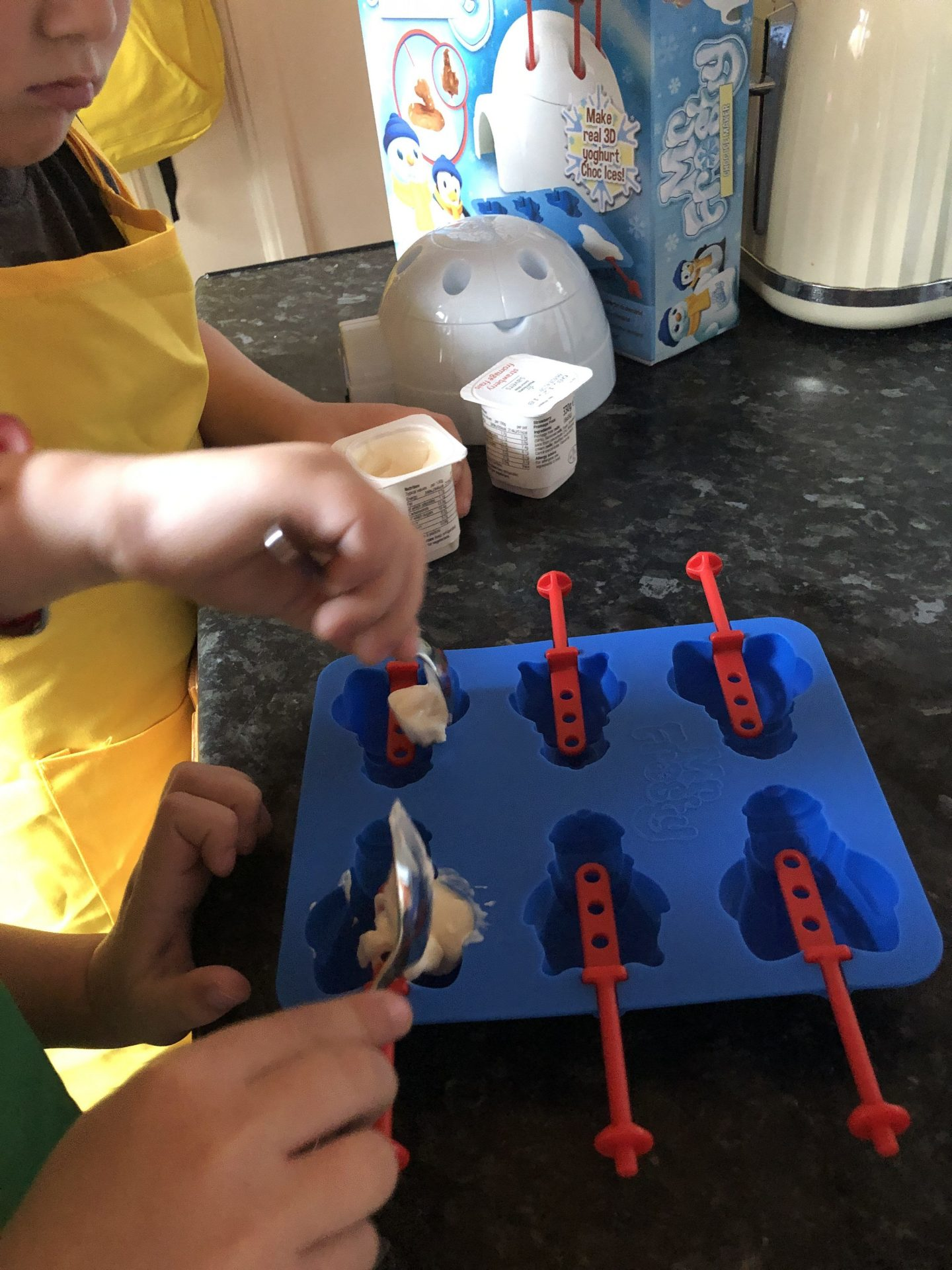 making mr frosty ice lollies