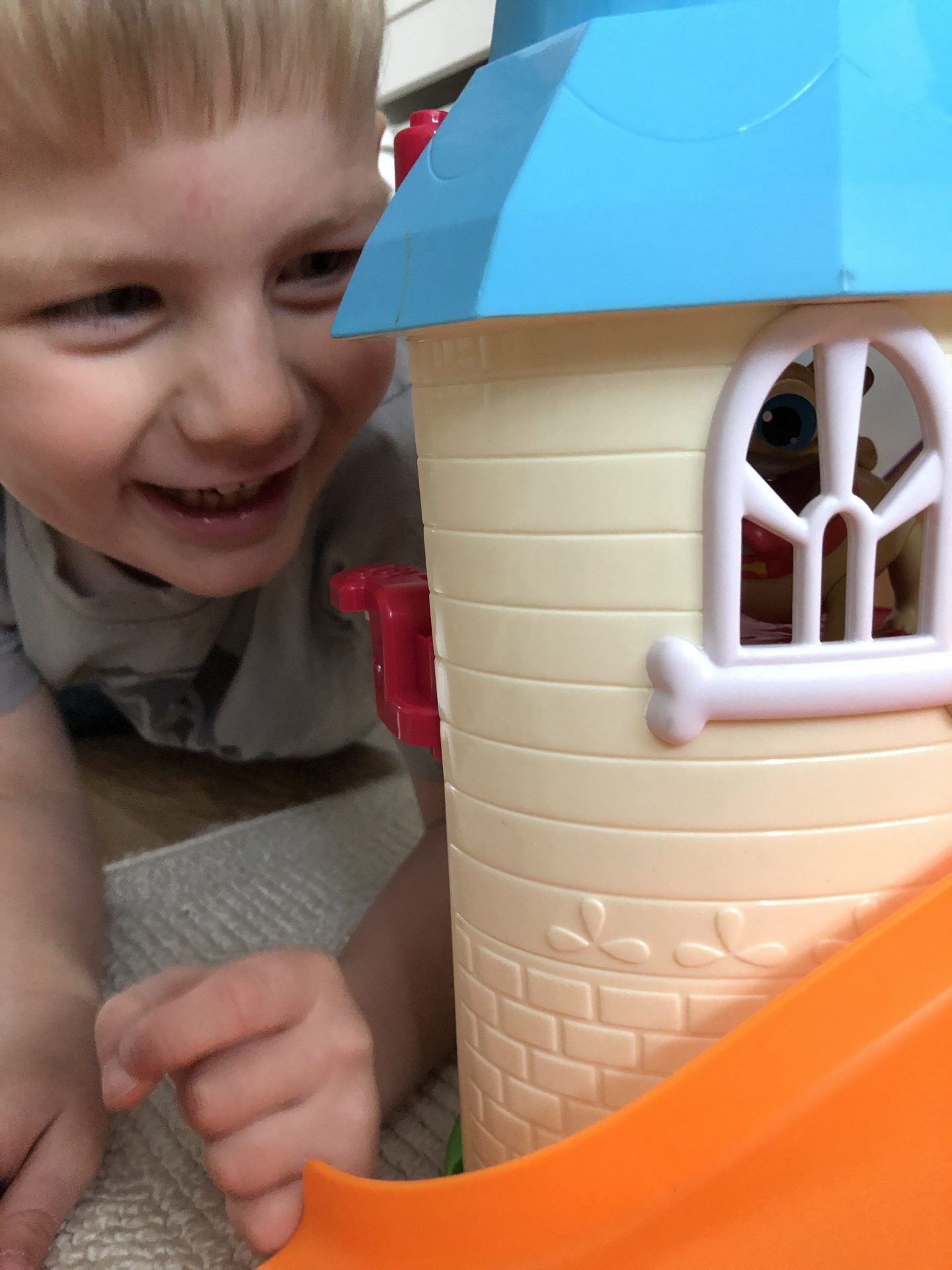 puppy dog pals doghouse playset hours of fun