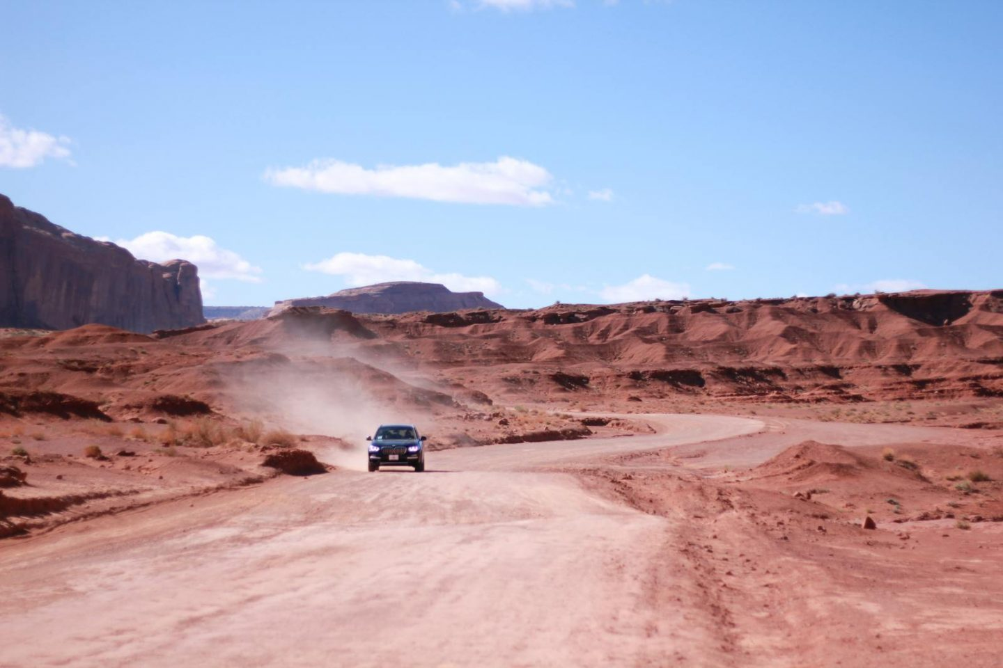 monument valley car dust