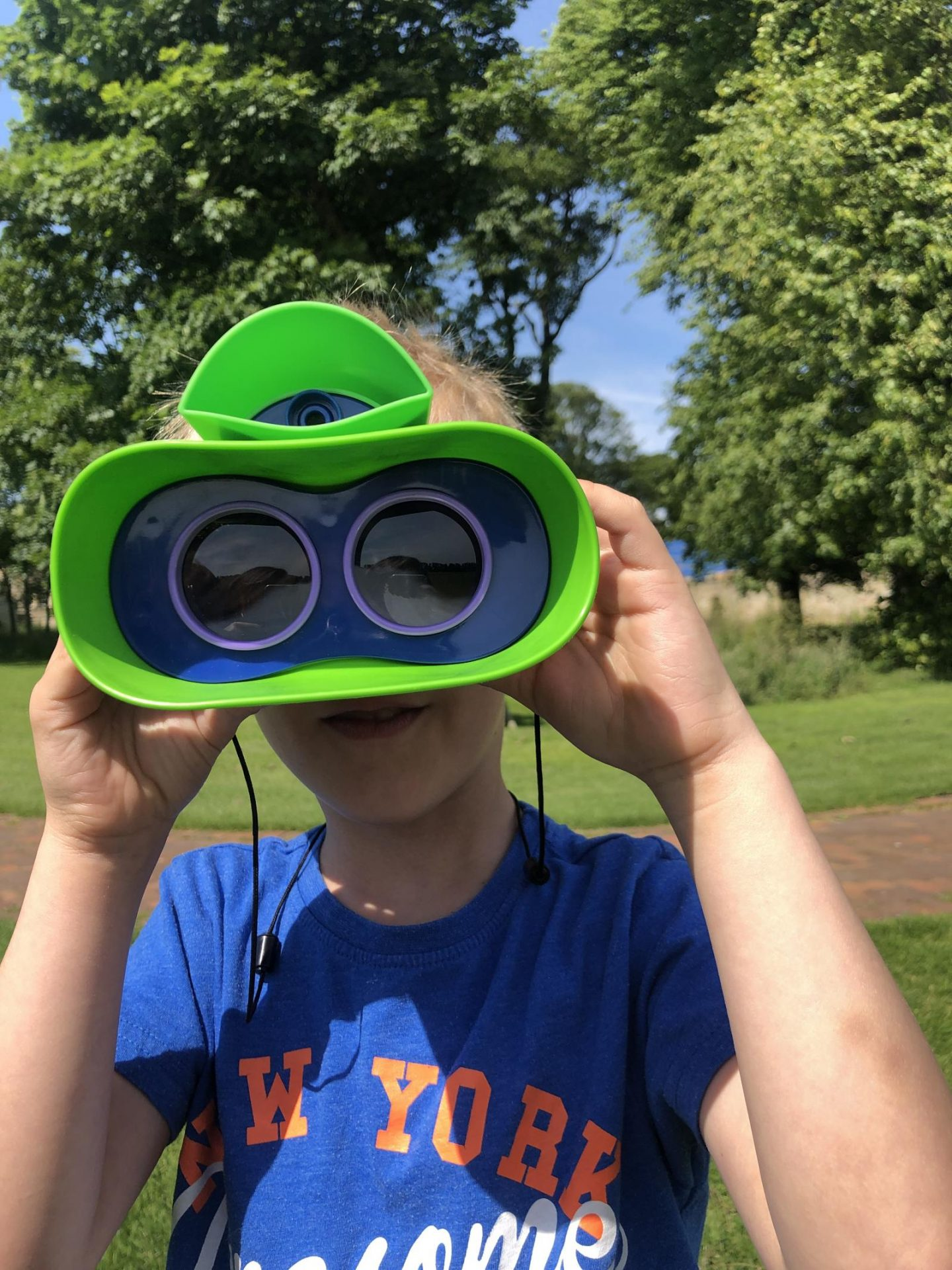 geosafari jr kidnoculars extreme from the front